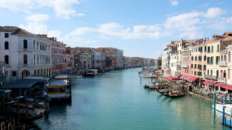 Venice Canal Less Pollution